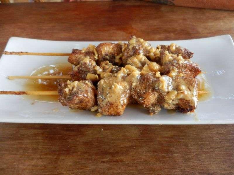 Chicken Satay mit Erdnussoße - auch sehr sehr lecker -